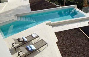 porcelánico piscina tradicional