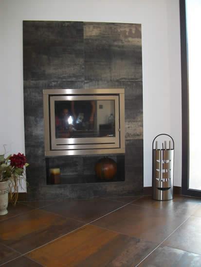 Decoración con hogar en acero inoxidable (Úbeda)